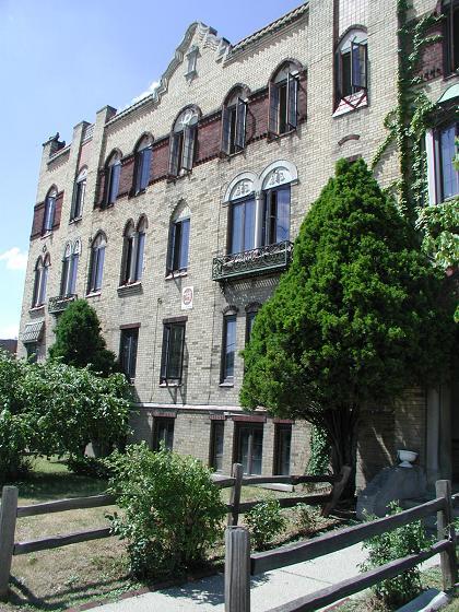 Planada Building, 1920-2003